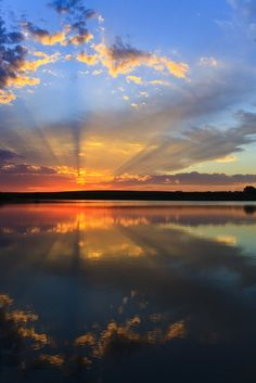 Sunrise on the shore of Lake Michigan in Wisconsin, USA | Sunrise ...