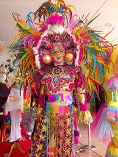 Festival Masskara Festival, Festival Costumes, School Projects, Maya, Fairy Tales, Captain Hat, Skull, Tropical, Halloween