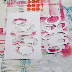 most colorful: screen printing with paper stencils – a beautiful completion of the … - DIY Clothes Designs Ideen Gelli Plate Printing, Stamp Printing, Printing On Fabric, Screen Printing, Stencil Diy, Stencil Designs, Stencils, Art Haus, Homemade Art