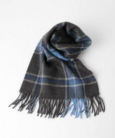 BAS チェック ウール マフラー Plaid Scarf, Scarf Wrap, Scarves, Weaving, Wraps, Mens Fashion, Stuff To Buy, Shawl, Scarfs