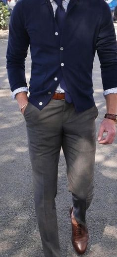 "Mens Fashion Smart Me all day. Who ever ""ME "" is u have a cool look! Stylish Men, Men Casual, Style Masculin, La Mode Masculine, Herren Outfit, Gentleman Style, Men Looks, Business Fashion, Casual Looks"