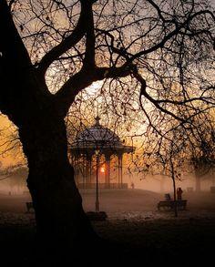 England Travel Inspiration - *Mist - Clapham Common, London (by singulartalent) London Photos, Photos Du, London City, South London, Beautiful World, Beautiful Places, Clapham Common, Beau Site, London England