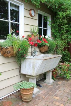 If you are looking for Garden Tub Decor Ideas, You come to the right place. Below are the Garden Tub Decor Ideas. This post about Garden Tub Decor Ideas was posted . Garden Tub Decorating, Decorating Ideas, Decor Ideas, Lavabo Exterior, Garden Projects, Garden Tools, Garden Sheds, Lavabo Vintage, Garden Art