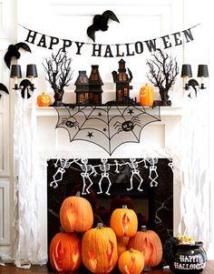 Love this Halloween mantle decor.