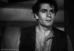 Laurence Olivier in Wuthering Heights (William Wyler, 1939)  via doodlingbreaktime (their original gif)