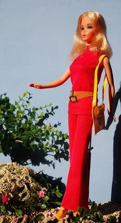 Barbie Walk Lively 1971 con outfit originale e borsetta gialla originale