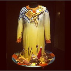 Breakfast dress V museum