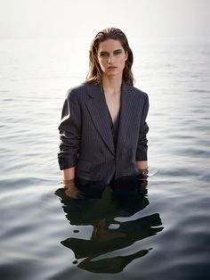 Remi Pyrdol Newest Editorial Featuring Femke Huijzer Model Poses Photography, Water Photography, Outdoor Photography, Editorial Photography, Concept Photography, Photographie Portrait Inspiration, Fashion Photography Inspiration, Photoshoot Inspiration, Vogue Fashion Photography