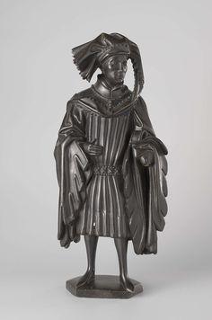 Pleurant gekleed in een korte houppelande, afkomstig van het praalgraf van Isabella van Bourbon, Renier van Thienen, ca. 1475 - ca. 1476