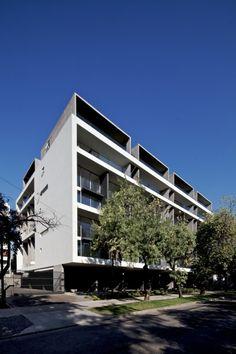 Edificio+Mirador+Pocuro+/+SEARLE+PUGA+arquitectos