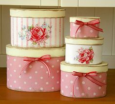 Shabby Chic Home Decor Shabby Chic Cottage, Vintage Shabby Chic, Shabby Chic Style, Shabby Chic Decor, Decoupage Box, Decoupage Vintage, Vintage Hat Boxes, Pretty Box, Altered Boxes