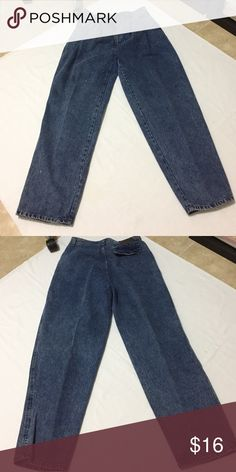 Zeppelin blue jeans Size 33M Zeppelin blue jeans Size 33M worn only a few times Bundle & Save! 1251 Gently used. Bundle & Save! 1235. Use bundling to save $$$. Offers welcome. Happy poshing 🌺 Jeans