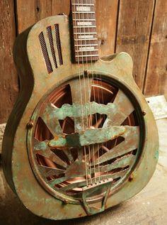 Resonator guitar Verdigris custom built by Spidershed Guitars