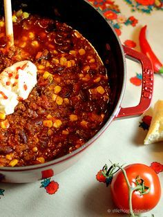 Chili con Carne Jamie Oliver style with sundried tomatos, cumin and cinnamon. It's a perfect autumn and winter dish that feeds your soul.