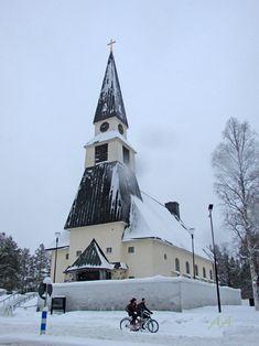 Winter time_Church of Rovaniemi_ Rovaniemen kirkko. Arkkitehti Bertel Liljequistin suunnittelema kirkko valmistui vuonna 1950.  Kuva Aili Alaiso Winter White, Finland, Winter Wonderland, Building, Travel, Viajes, Buildings, Destinations, Traveling