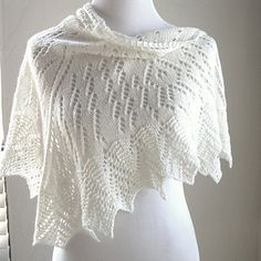 knit uhura lace shawl http://www.ravelry.com/patterns/library/uhura-2