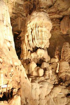 Natural Bridge Caverns, San Antonio, Texas.