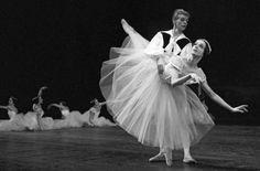 Primaballerina Marcia Haydee und Egon Madsen am 27.04.1963 in der Neuinszenierung Die Sylphiden auf