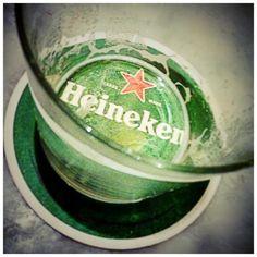 #Heineken #star #red #beer #cerveza #green #verde #summer #glass #empty #vacio ©www.aunioncreatividad.com