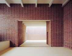 Bearth & Deplazes - The all brick Gallery of Contemporary Art, Marktoberdorf 2001; an interesting choice of materials for a gallery space.