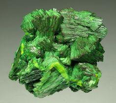 Metatorbernite, Cu(UO2)2(PO4)2•8(H2O)