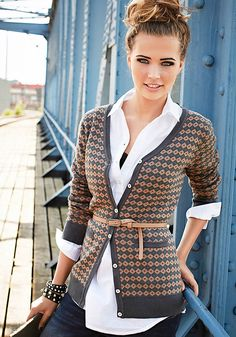 szaro-brązowy sweter rozpinany w romby -warstwy