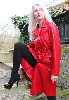 Raincoats For Women Long Sleeve Green Raincoat, Vinyl Raincoat, Plastic Raincoat, Black Rain Jacket, Rain Jacket Women, Raincoats For Women, Jackets For Women, Rouge, Equestria Girls