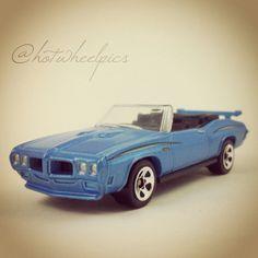 Hot wheels 67 pontiac gto convertible