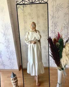 Dress Casual Over 40 Cute Outfits Robe Casua. Robe Casual Plus de 40 tenues mignonnes que je portais Robe Casua . Robe Casual Plus de 40 tenues mignonnes mignonnes Hijab Casual, Hijab Chic, Simple Hijab, Casual Dresses, Casual Chic, Summer Dresses, Hijab Fashion Summer, Modest Fashion Hijab, Modern Hijab Fashion