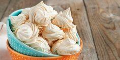 Estos deliciosos merenguitos sin azúcar se preparan sólo con 2 ingredientes. Aprende a prepararlos en el siguiente video.