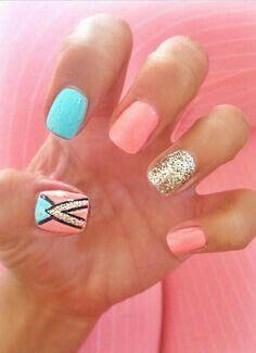 Nails neón turquesa y brillo