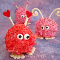 A Dozen Valentine's Treat Ideas - cute little cake pop treats!