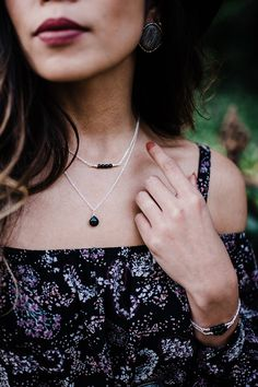 Black onyx bead bar crystal necklace in bronze, silver, gold or rose gold - chain with extender - July birthstone Onyx Necklace, Teardrop Necklace, Birthstone Necklace, Bar Necklace, Gemstone Necklace, July Birthstone, Bohemian Jewellery, Necklace Online, Crystals And Gemstones