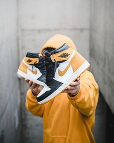 Nike – Rebel Without Applause Sneakers Fashion, Shoes Sneakers, Shoes Wallpaper, Air Jordan Sneakers, Nike Shoes Outfits, Looks Style, New Shoes, Shoe Boots, Men's Boots