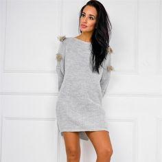 Śliczna sweterkowa tunika - sukienka z miękkiej dzianiny z modnymi ozdobnymi piórkami  absolutny MUST HAVE!  www.sukienki.shop  #sukienkishop #sukienka #tunika #sweterek #sweter #modadamska #zakupy #stylizacja #onlineshop #outfit #todaysoutfit #todayimwearing #shop #loveshopping #sklep #sklepinternetowy #polishbrand #zakupyonline #polishwoman #polishgirl #dobrebopolskie #polskadziewczyna #polishwomen