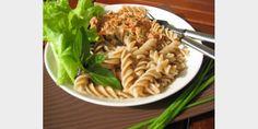 Valmista Tonnikalakastike tällä reseptillä. Helposti parasta! Easy Cooking, Pasta Dishes, Ethnic Recipes, Food, Waiting, Essen, Meals, Easy Recipes, Yemek
