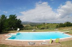 http://www.tuscanyinside.com/Apartment-with-swimming-pool-San-Gimignano-5.htm