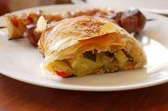 La ricetta dello strudel di Cristina Lunardini con le verdure autunnali e un impasto a base di pasta matta con ricotta, un piatto unico adatto a tutte le età.  http://www.alice.tv/piatti-unici/strudel-verdure-pasta-matta-ricotta