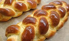 Igazi húsvéti fonott kalács készítése, lépésről lépésre - alon.hu Sweet Bread, Pretzel Bites, Hot Dog Buns, Baked Goods, Healthy Life, Bakery, Rolls, Food And Drink, Favorite Recipes