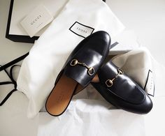 Shoe of the season. We couldn't resist this Princetown slipper from Gucci ✨ Minimal Chic, Minimal Fashion, Gucci Shoes, Gucci Gucci, Fashion Packaging, Luxury Bags, Summer Shoes, Me Too Shoes, Fashion Shoes