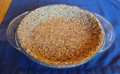 Cut the Carbs from Dessert with This Pecan Nut Pie Crust: Pecan Pie Crust, Ready to be Filled. Maybe I'll use coconut oil instead of butter and coconut butter instead of sugar. Low Carb Sweets, Low Carb Desserts, Gluten Free Desserts, Gluten Free Recipes, Low Carb Recipes, Cooking Recipes, Atkins Desserts, Eggless Desserts, Banting Recipes