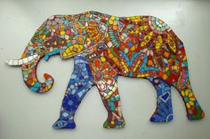 a Bumin Mozaik Kursu Kursiyer Mozai? Mosaic Wall Art, Tile Art, Mosaic Glass, Mosaic Tiles, Stained Glass, Glass Art, Mosaic Rocks, Mosaic Animals, Glass Animals
