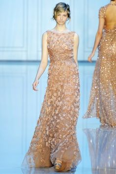 See the complete Elie Saab Fall 2011 Couture collection.