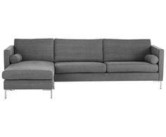 Kuscheln Sie sich in die Polster! Sofa ANNA ist die ideale Basis für Ihre Ruheoase. Der Polsterbezug in schickem Dunkelgrau verleiht Ihrem Wohnraum einen modernen Touch.
