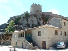 Castelo de Sortelha - muralhas interiores