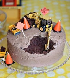 This made me laugh! Construction Cake: A. I could make this cake without screwing it up. Actually, I have made that cake before (without the tractors) and just thought it was a screw up, B. Noah would LOVE me. Cake Cookies, Cupcake Cakes, Cupcake Toppers, Bolo Original, Construction Party, Construction Worker, Cakes For Boys, Boy Cakes, Cute Cakes