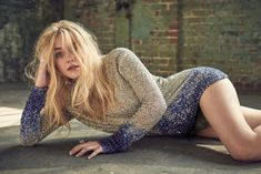 Dakota Fanning graces the April 2018 cover of C Magazine. The American actress poses in a striped and metallic top from Giorgio Armani with a Alexandra Jules ring. Inside the fashion glossy, Dakota poses for the Dakota Fanning, Ellie Fanning, Fanning Sisters, Bollywood, Blonde Beauty, Celebrity Pictures, Beautiful Actresses, American Actress, Georgia
