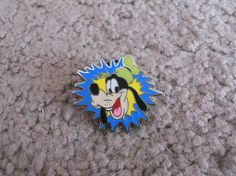 Disney Pin Goofy Starburst *FREE SHIPPING*
