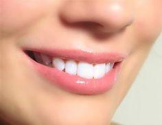 9 Cara Alami Untuk Mengatasi Bibir Kering