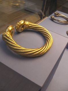 Gold torc